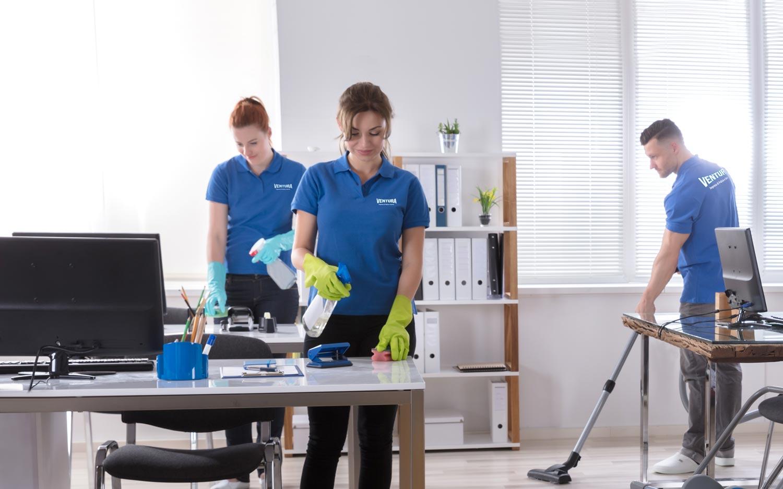Scrivanie e uffici sanificati grazie all'impresa di pulizie Ventura